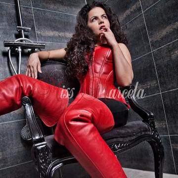 Domina Miss Marcela Winterhtur
